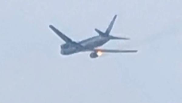 Přistání letadla s hořícími motory v Japonsku - Sputnik Česká republika