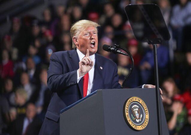 Americký prezident Donald Trump na jednom ze svých meetinků