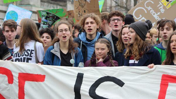 """Greta a """"Fridays for Future"""". Demonstrace v Berlíně  - Sputnik Česká republika"""