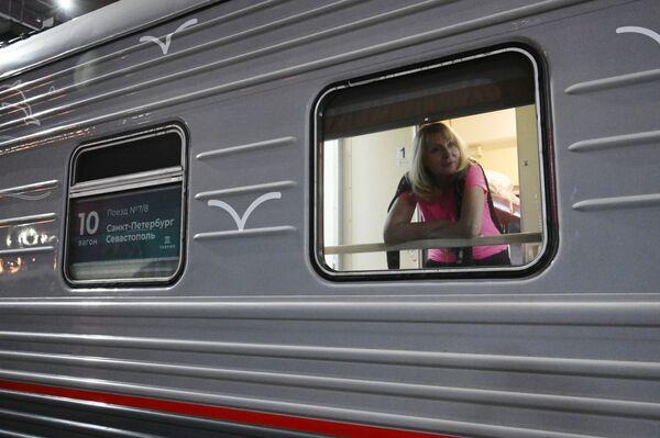 Cestující vlaku Tavria - Sputnik Česká republika