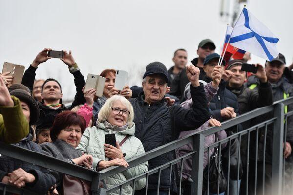 Vítání na nástupišti nádraží v Sevastopolu - Sputnik Česká republika