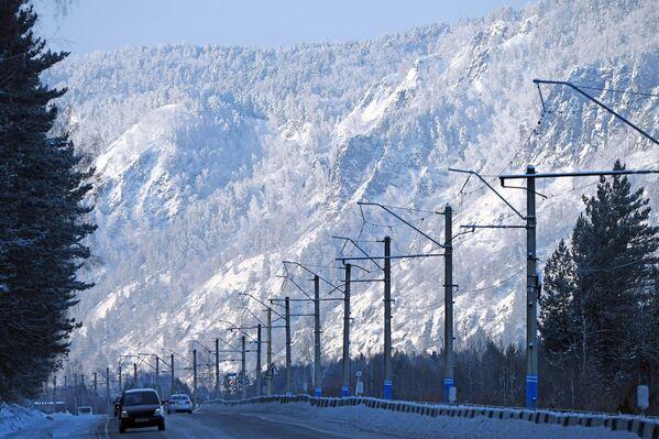 Federální dálnice Jenisej v blízkosti města Divnogorsk Krasnojarského kraje - Sputnik Česká republika