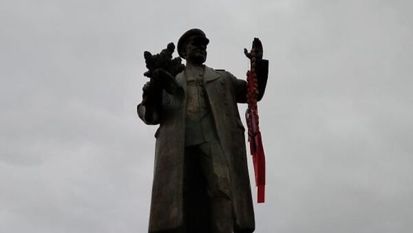 V Praze byl zneuctěn památník maršála Koněva  - Sputnik Česká republika