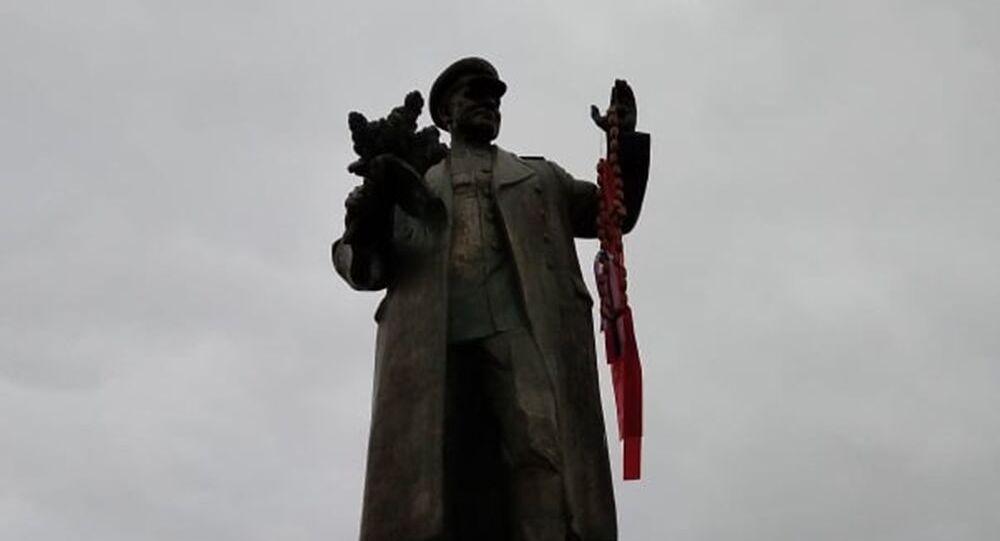 V Praze byl zneuctěn památník maršála Koněva