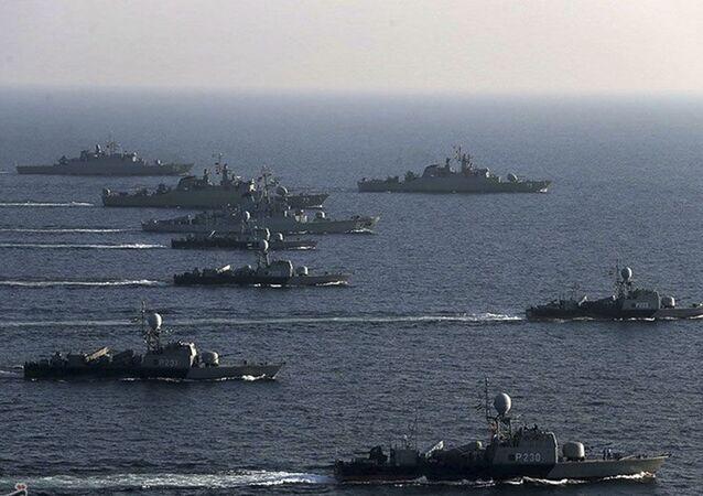 Cvičení íránského námořnictva