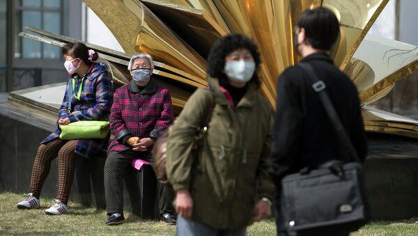 V Číně předpověděli termín, kdy koronavirus dosáhne svého vrcholu - Sputnik Česká republika