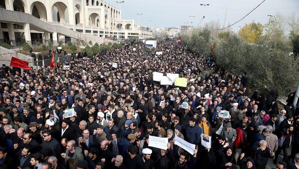 Demonstrace v Íránu po vraždě generála Kásima Sulejmáního - Sputnik Česká republika