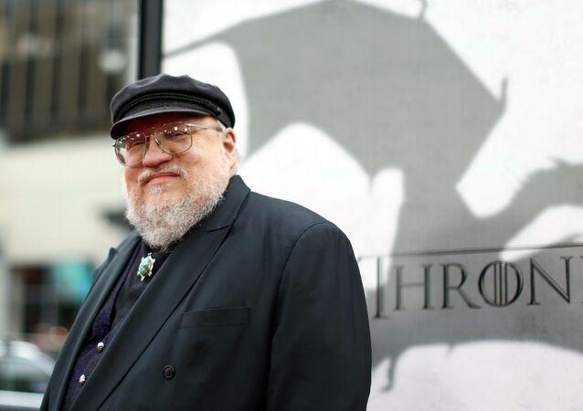 George R. R. Martin přichází na premiéru televizního seriálu HBO Hra o trůny