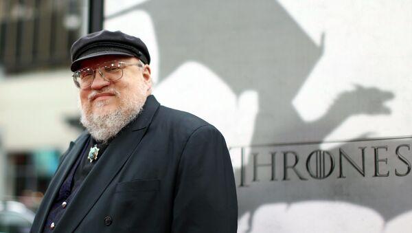 George R. R. Martin přichází na premiéru televizního seriálu HBO Hra o trůny - Sputnik Česká republika