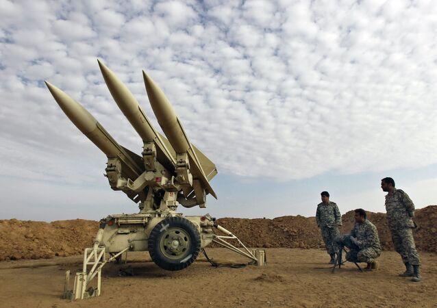 Íránští vojáci během cvičení