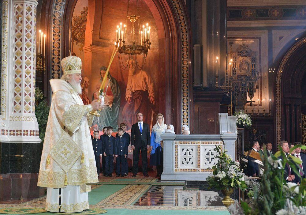 Patriarcha Moskvy a Ruska Kirill během vánoční bohoslužby v katedrále Krista Spasitele v Moskvě