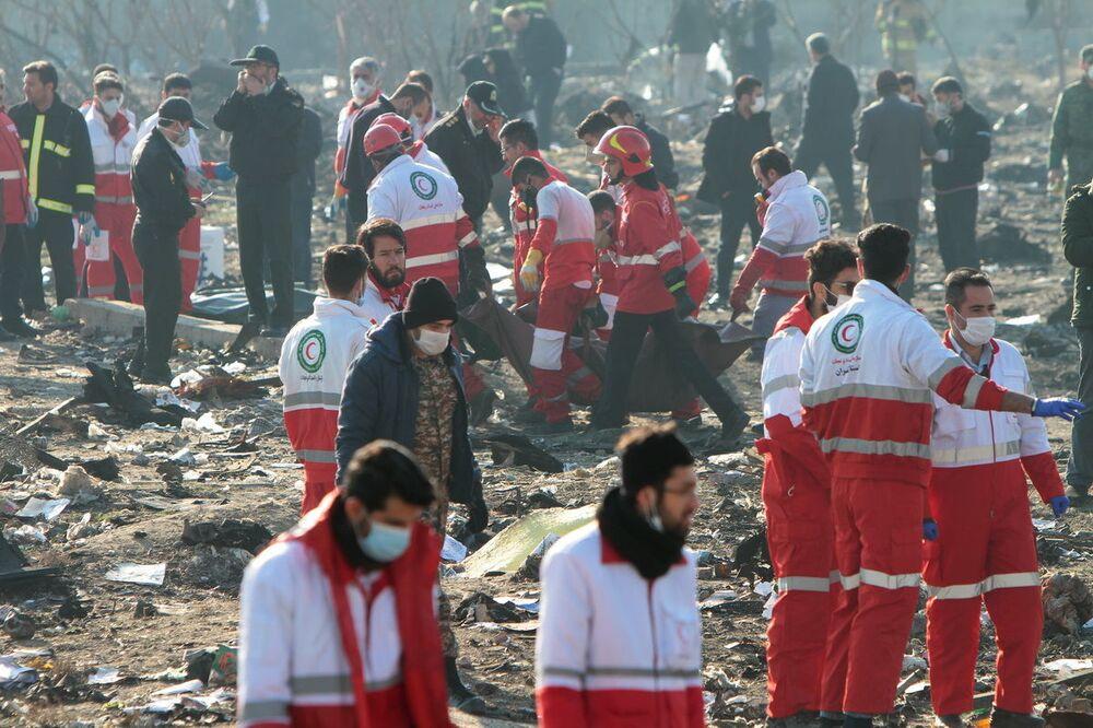 Místo havárie ukrajinského dopravního letadla Boeing 737-800