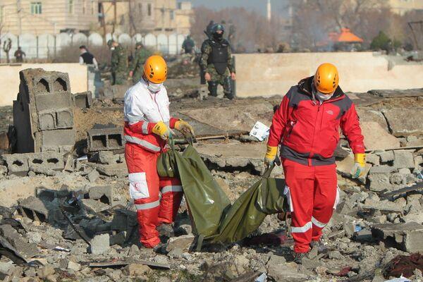 Místo havárie ukrajinského dopravního letadla Boeing 737-800 - Sputnik Česká republika
