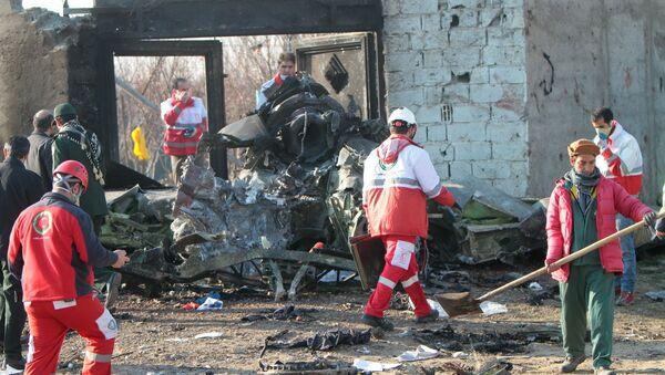 Na místě katastrofy Boeing 737-800 - Sputnik Česká republika