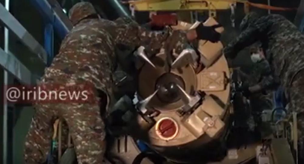 Írán odhalil záběry přípravy raket před útokem na americkou základnu v Iráku. Video přímo z tajného skladu