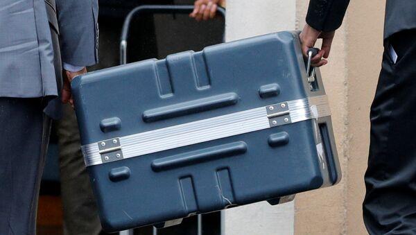 Kufr s černou skříňkou. Ilustrační foto  - Sputnik Česká republika