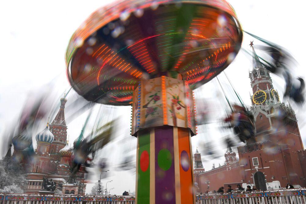 Kolotoč na Rudém náměstí v Moskvě