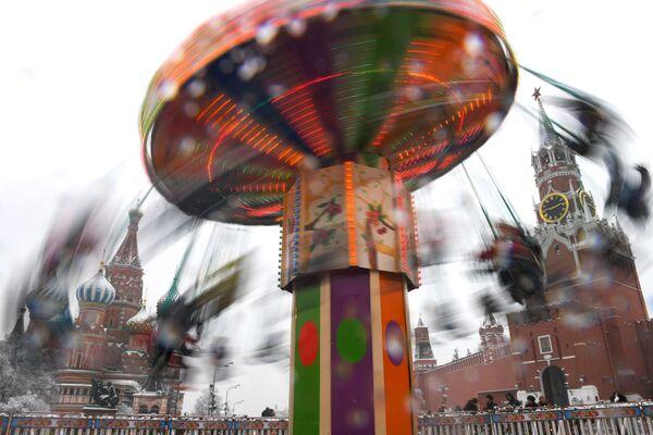 Kolotoč na Rudém náměstí v Moskvě - Sputnik Česká republika
