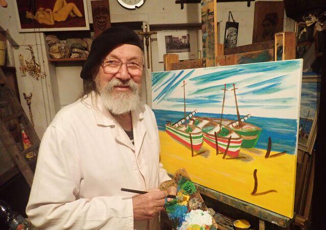 Soudní znalec a bývalý námořník ve svém ateliéru - v Galerii U Andělíčka v Plzni