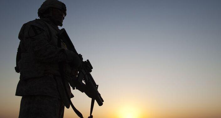 Americký voják na vojenské základně v Iráku