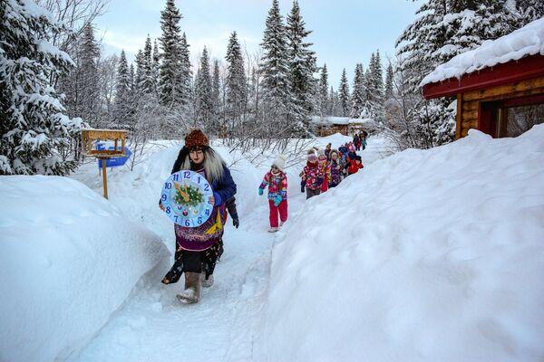 Exkurze pro děti v Laponské přírodní biosférické rezervaci v Murmanské oblasti - Sputnik Česká republika