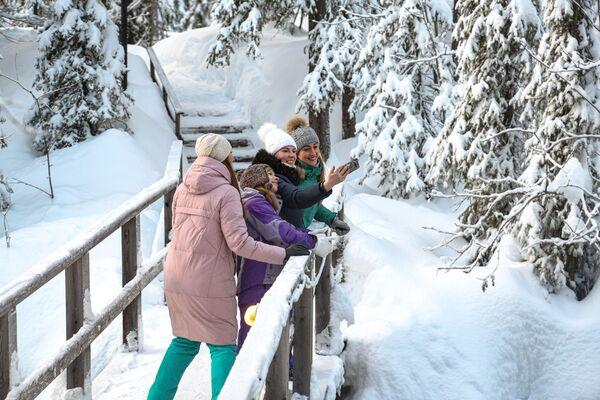Turisté v Laponské přírodní rezervaci - Sputnik Česká republika