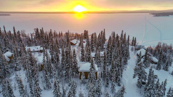 Západ slunce v Laponské rezervaci - Sputnik Česká republika