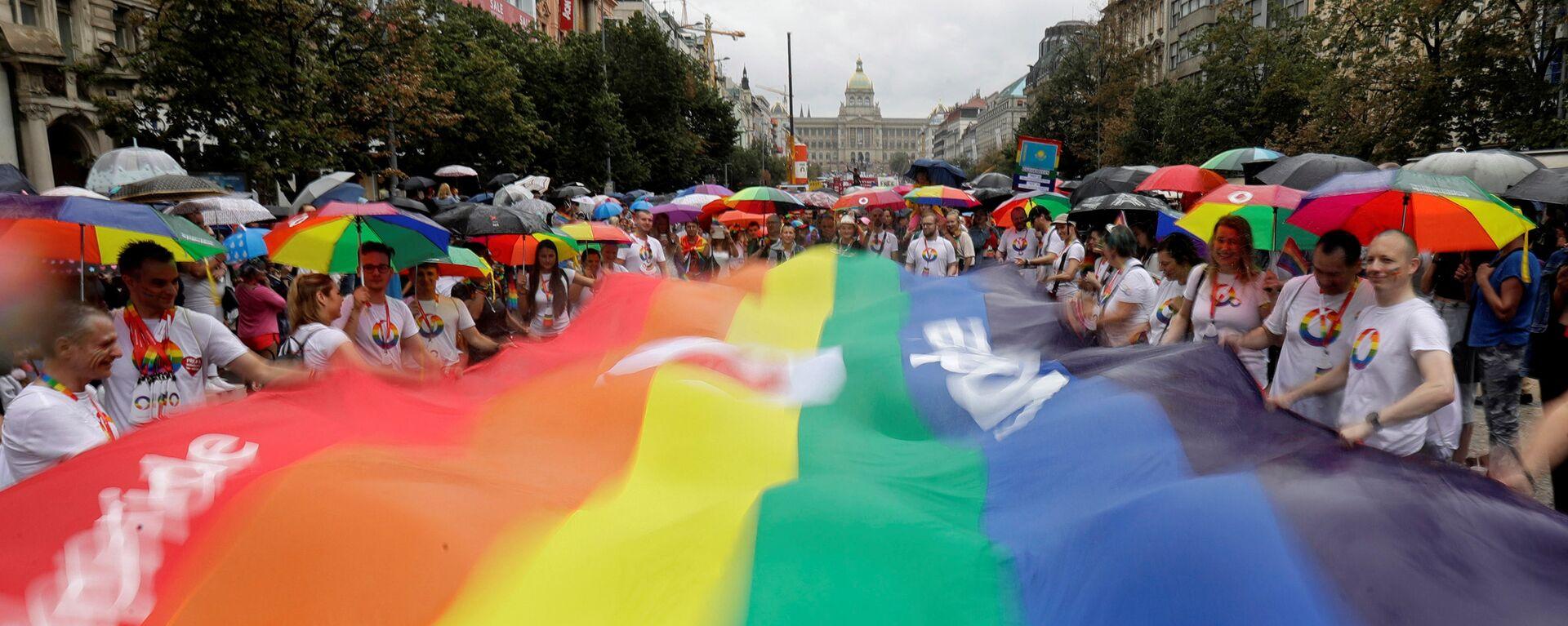 Účastníci pochodu Prague Pride 2019 - Sputnik Česká republika, 1920, 02.08.2021