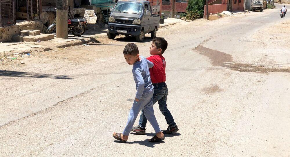 Děti v syrské vesnici Beit-Džinn