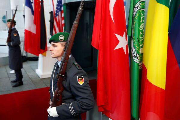 Němečtí vojáci během konference v Berlíně - Sputnik Česká republika