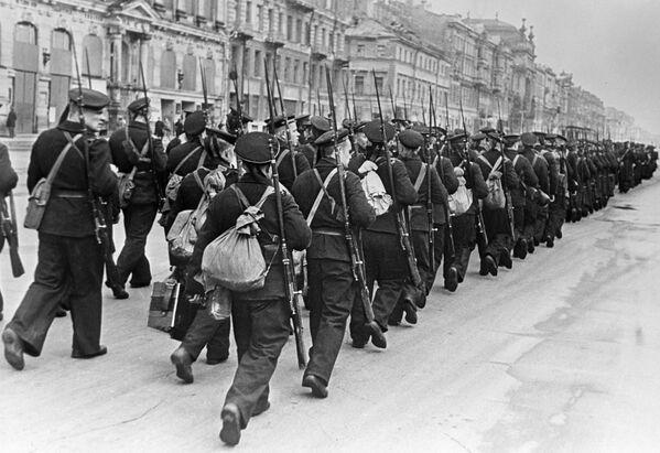 Námořníci jdou na frontu. - Sputnik Česká republika