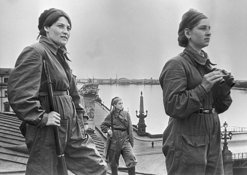Vojačky během své služby.
