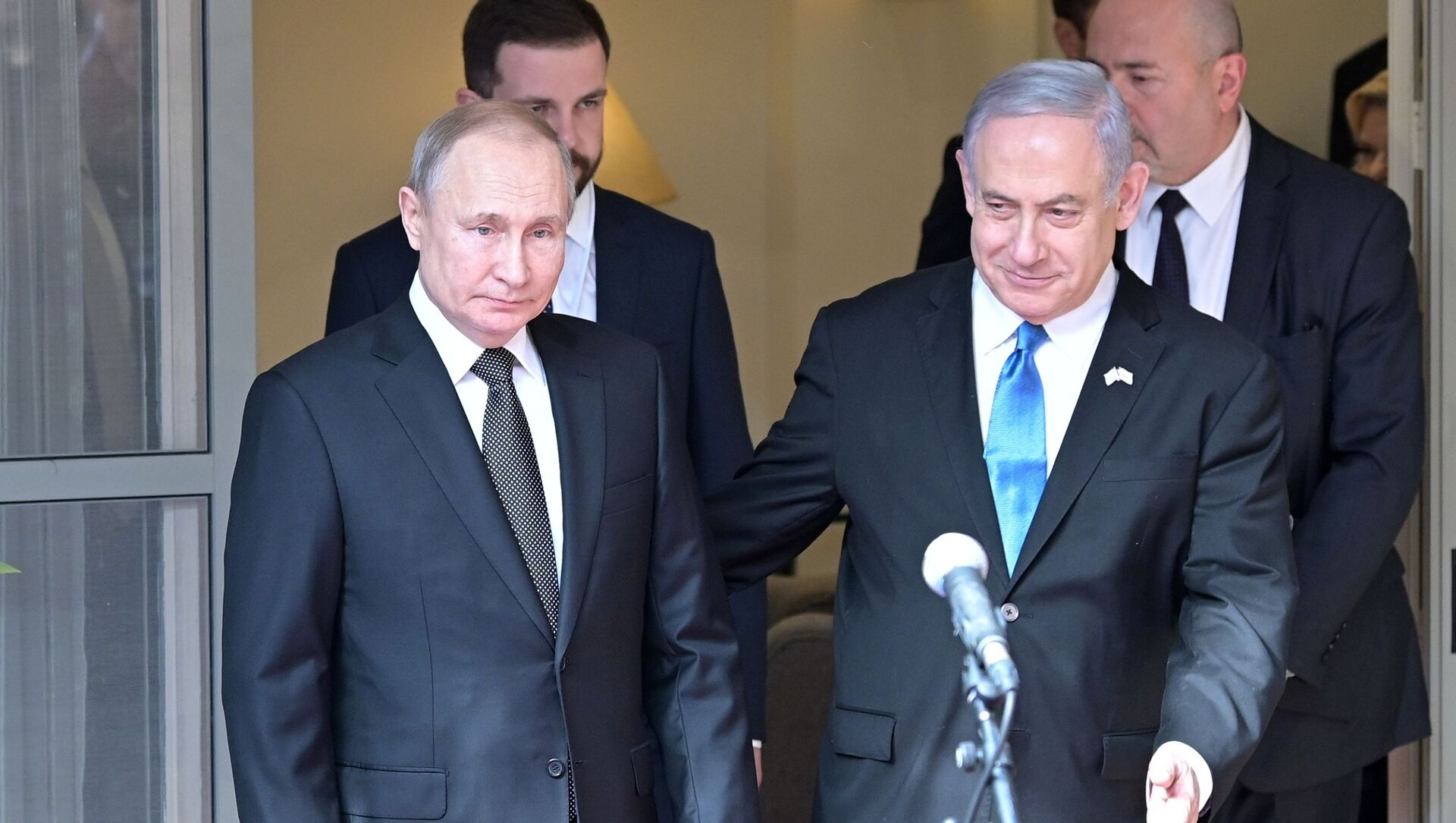 Ruský prezident Vladimir Putin a izraelský premiér Benjamin Netanjahu v Tel Avivu - Sputnik Česká republika, 1920, 19.02.2021