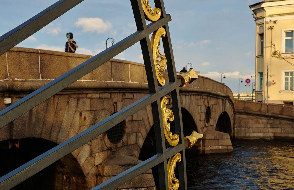 Mřížka Letní zahrady a Pračečný most v Petrohradu