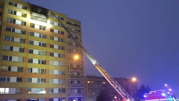Hasení požáru v obytném domě v Kladně - Sputnik Česká republika