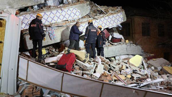 Následky zemětřesení ve východním Turecku - Sputnik Česká republika