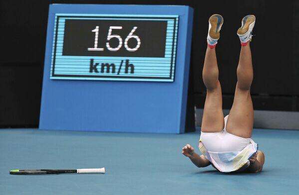 Rumunská tenistka Simona Halepová během zápasu proti Američance Jennifer Bradyové na Australian Open - Sputnik Česká republika