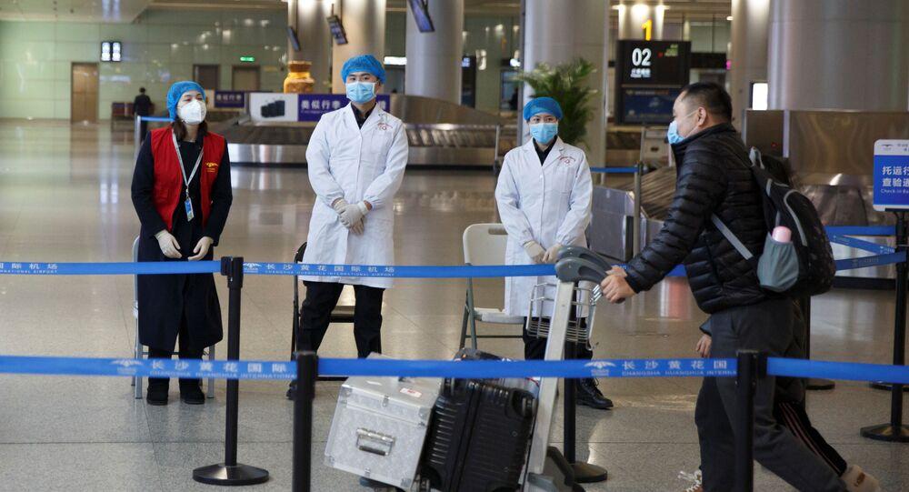 Lékařský monitoring na letišti v Číně