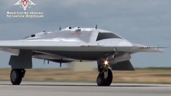 bezpilotní letoun Ochotnik  - Sputnik Česká republika