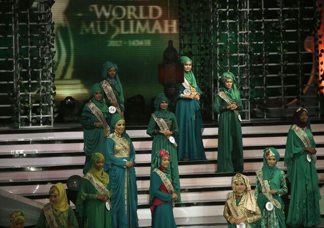 Účastnice 3. soutěže Miss World Muslimah v Jakartě