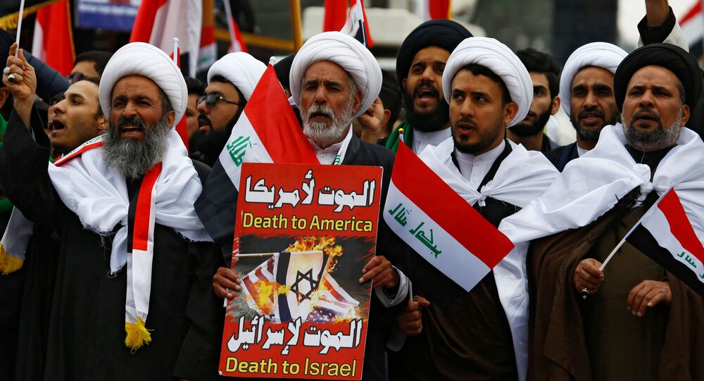 Protesty proti americké přítomnosti v Iráku