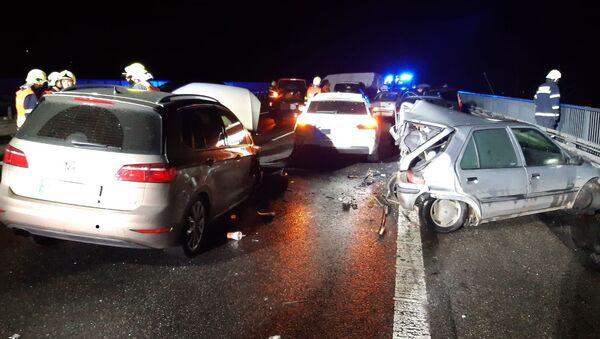 Hromadná nehoda na D10 - Sputnik Česká republika