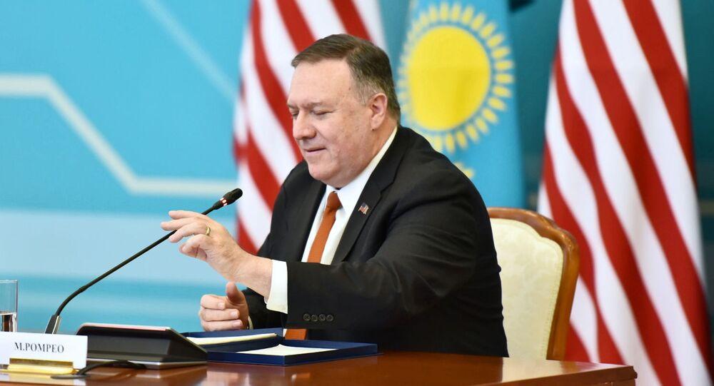 Americký ministr zahraničí Mike Pompeo na návštěvě v Kazachstánu