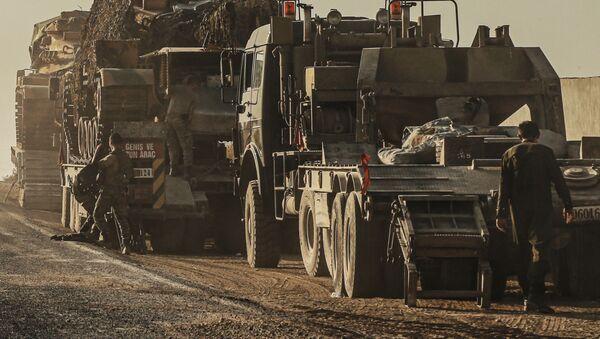 Turecká vojenská technika při cestě do Sýrie - Sputnik Česká republika