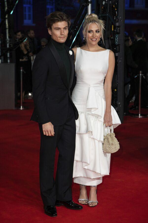 Zpěvačka Pixie Lottová na červeném koberci předávání cen BAFTA v Londýně - Sputnik Česká republika