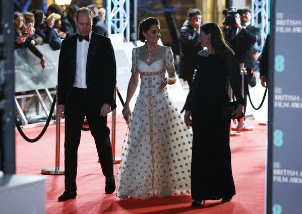 Princ William s manželkou Catherine na červeném koberci BAFTA v Londýně - Sputnik Česká republika