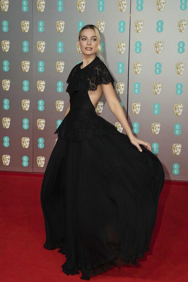 Herečka Margot Robbie na červeném koberci při předávání cen BAFTA v Londýně  - Sputnik Česká republika