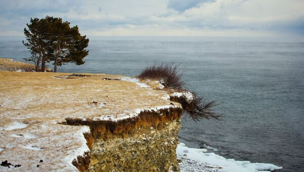 Vysoký břeh jezera Bajkal. - Sputnik Česká republika
