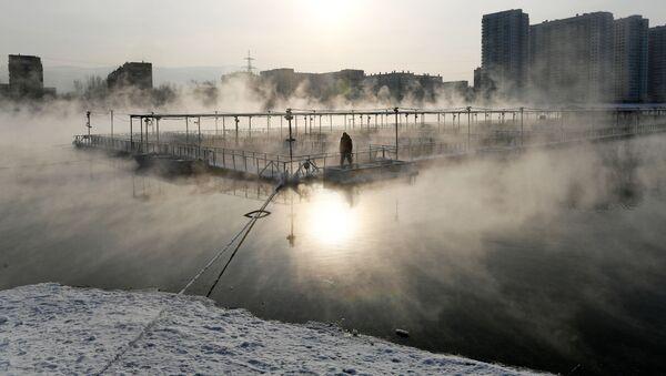 Rybí farma a ostrov Otdycha, který se nachází na řece Jenisej v Krasnojarsku - Sputnik Česká republika
