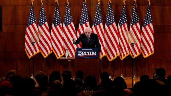 Kandidát v prezidentských primárkách Demokratické strany před volbami prezidenta USA 2020 Bernie Sanders - Sputnik Česká republika